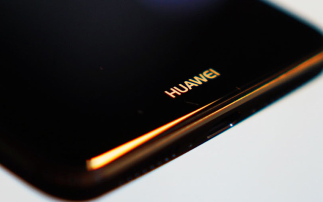 Report: Huawei partners BOE to launch foldable phone this year