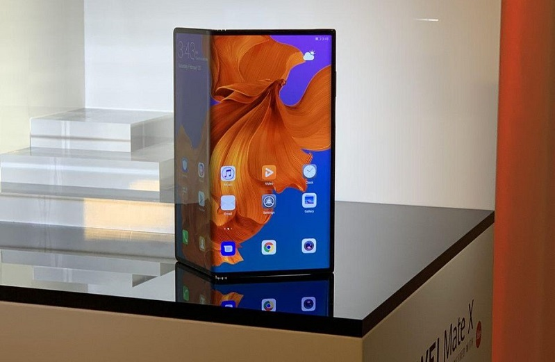 huawei mate x features image