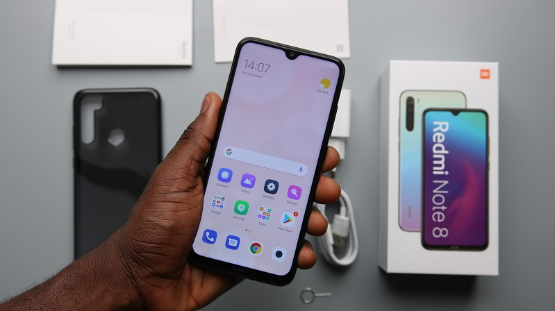 xiaomi redmi note 8 review image hands on front